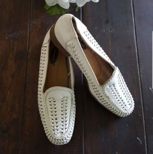 🥿DR. SCHOLL'S WHITE LEATHER LOAFERS